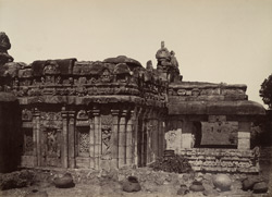 Purudkul. View of the porch of Great Sivite temple, from the south. [Virupaksha Temple, Pattadakal.]